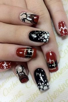 Winter nails with snowflake; red and white Christmas nails; cute and unique Christmas nails; Nail Art Noel, Nail Art Diy, Cool Nail Art, Cute Christmas Nails, Xmas Nails, Christmas Ideas, Christmas Holiday, Christams Nails, Christmas Acrylic Nails