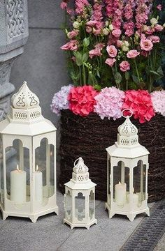 I seriously want lanterns as my Centerpieces