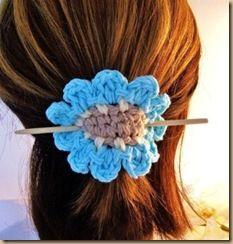 crochet crochet accessories Ideas a ganchillo Crochet Crafts, Crochet Yarn, Yarn Crafts, Crochet Stitches, Crochet Hooks, Crochet Projects, Crochet Patterns, Crochet Headbands, Crochet Hair Accessories