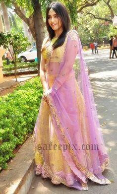 Adah-sharma-embroidery-lehenga-Kashanam-movie