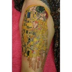Gustav Klimt's 'the kiss' by Megan Oliver #sydneytattoo . This, on my back