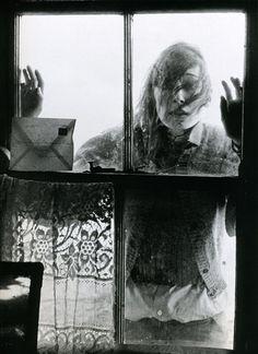 Anjelica Huston photographed by Bob Richardson (the late father of photographer Terry Richardson).