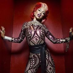Neon Hitch is the face of Cargo Cosmetics fall/holiday campaign. AND she's got a limited capsule collection too Whooo Hoo
