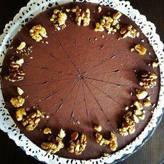 """Dnešná NOVINKA: """"#rawáčik Gaštanový cheesecake s vlašskými orechami  #rawcake #raw #cajovna #ziarnadhronom #cajovnazarohom #cheescake"""