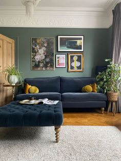 Living Room Green, New Living Room, Living Room Sofa, Living Room Interior, Home And Living, Colours For Living Room, Colorful Living Rooms, Dark Living Rooms, Dining Room