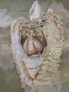 A pretty adornment in Marie Antoinette style.