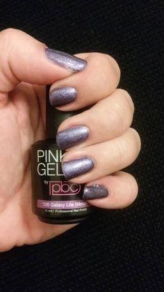 Pink Beauty Club shared Cindy de Vaal's photo Tja, nieuwe kleuren binnen dus maar gelijk uitproberen! #galaxy lila..
