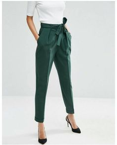 Woven Peg Pants with OBI Tie Forest green pegged trousers for women's business casual wear from ASOS! The post Woven Peg Pants with OBI Tie appeared first on Woman Casual - Woman Fashion Business Mode, Business Outfits, Business Attire, Business Casual Trousers, Business Casual Pants Women, Business Casual Womens Fashion, Business Formal, Business Fashion, Neue Outfits