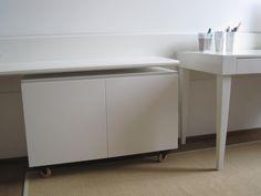 MDR. Casa V. Contenitore con ruote laccato bianco - White cupboard. Residenza privata a Milano.