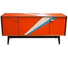 Cool 60s cabinet.