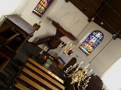 Het oudste protestante zadeldak kerkje vindt u in de schaduw van prachige moederkerk te #Zevenaar. Omrijden waard. Woensdag 7 augustus 2013. via twitter @FransHeuvelmans.