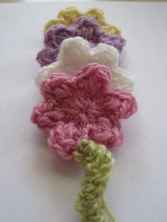 Crochet Spot  » Blog Archive   » Crochet Pattern: Posies in a Row Bookmark - Crochet Patterns, Tutorials and News