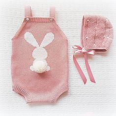This Pin was discovered by Sha Baby Knitting Patterns, Baby Cardigan Knitting Pattern, Cute Newborn Baby Girl, Baby Outfits Newborn, Knitted Baby Clothes, Cute Baby Clothes, Crochet Romper, Baby Boutique, Handmade Baby