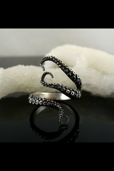 Cheap jewelry ring spacer, Buy Quality ring jewelry organizer directly from China ring jewelry display Suppliers: Tentacle Ring Octopus Ring Seductive Tentacle Ring in ancient silver Plating red Rhinestone by Octopus hand rings for Octopus Ring, Octopus Tentacles, Octopus Jewelry, Octopus Mermaid, Mermaid Ring, Mermaid Jewelry, Jewelry Box, Jewelry Accessories, Fine Jewelry