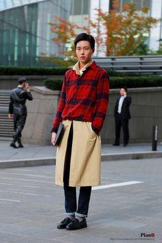 2014 S/S Seoul fashion week street style  www.instagram.com/jaylim1 www.facebook.com/PlanBStyleBook  #melbourne #melbourne fashion blogger #melbourne blogger #fashion #fashion week #fashion style #fashion photography #fashion blogger #street style #street fashion #style #model #woman fashion #woman style #photography #photographer #outfit