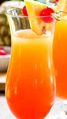 Pineapple Upside Down Cocktail Recipe #cocktailrecipes