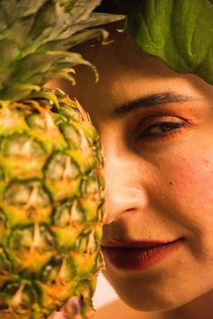 Woman with the pineapple