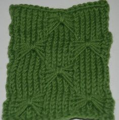 Use the Butterfly Stitch for Your Next Knit Scarf Butterfly Stitch: Butterfly Stitch worked over 19 stitches. Knitting , lace processing is just about the most beautiful . Knitting Blogs, Knitting Stitches, Knitting Projects, Knitting Patterns, Crochet Patterns, M1l Knitting, Crochet Tutorials, Stitch Patterns, Crochet Quilt