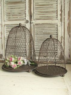 In truth, gray can definitely be cold but it can also be warm Romantic Shabby Chic, Shabby Chic Cottage, Shabby Chic Style, Vintage Interior Design, Bird Cages, Cozy Corner, French Chic, Cottage Living, Country Decor