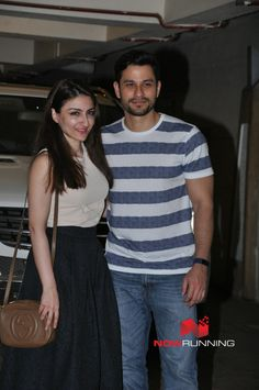 Soha Ali Khan & Kunal Khemu snapped post dinner at Saif Ali Khan & Kareena Kapoor Khan's house