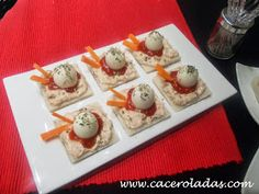 Canapes, Waffles, Breakfast, Party, Food, Egg Recipes, Hamburgers, Appetizers, Lunches