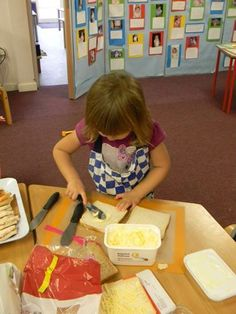 Making sandwiches whilst learning how to use a spreading knife correctly at Colleton Primary.