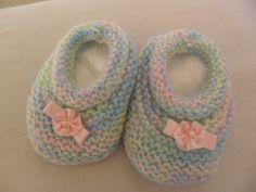 Blog para quem gosta de compartilhar receitas de tricô.........e que ama roupas de bebê......e outras coisinhas fofas......