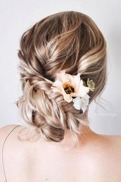 wedding hairstyles for thin hair updo with flowers nicoledrege Low Bun Hairstyles, Best Wedding Hairstyles, Vintage Hairstyles, Bridal Hairstyles, Wedding Hair Flowers, Wedding Hair Pieces, Hair Wedding, Photomontage, Thin Hair Updo
