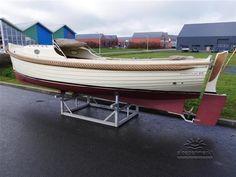 Boat Stuff, Narrowboat, Boat Design, Motor Boats, Wooden Boats, Boat Building, Outdoor Furniture, Outdoor Decor, Boating