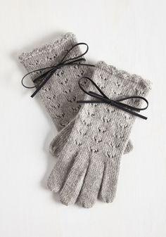 Foggy Mornings Gloves in Mist