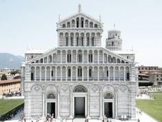 Miracle square, Pisa.