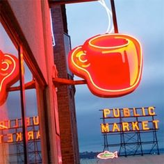 Seattle - The Public Market ... must see / must be a part of this scene!
