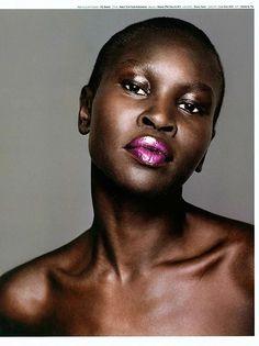 top black women models in the world Pretty Hurts, Brunette Makeup, Victoria's Secret, African Models, Bald Women, Ethnic Hairstyles, Dark Skin Makeup, Model Face, My Black Is Beautiful