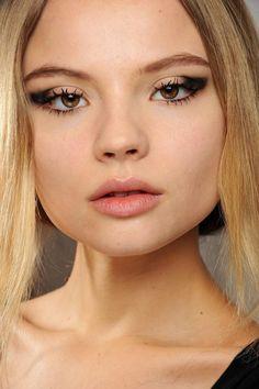 Eye Makeup - Die neuesten Trends für den Herbst / Winter 2018/2018 #Eye #Makeup #- #Die #neuesten #Trends #für #den #Herbst #/ #Winter #2018/2018