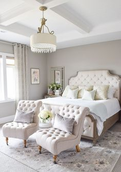 Nice 34 Cozy and Romantic Bedroom Decoration Ideas http://decoraiso.com/index.php/2018/05/02/34-cozy-and-romantic-bedroom-decoration-ideas/