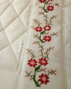 Seccade Modelleri - #Modelleri #Seccade - #seccadeler #seccade #kabe #namaz #seccade #modelleri #trend #muslim #muslüman Mini Cross Stitch, Cross Stitch Borders, Cross Stitch Flowers, Palestinian Embroidery, Crewel Embroidery, Bargello, Amazing Flowers, Needlework, Diy And Crafts
