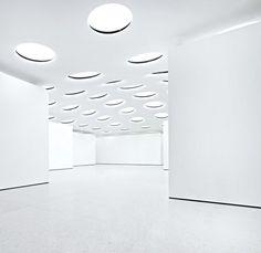 modern art gallery illuminators interior Modern underground art gallery   Staedel Museum