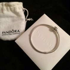 "7.1"" Iconic Pandora Bracelet LIKE NEW and In EXCELLENT condition! Was cleaned every time it was worn! Absolutely beautiful! Pandora Jewelry Bracelets"