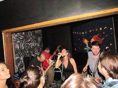 Na próxima sexta, 15, a partir das 21h, o Bar Divino Rei recebe os shows da Banda Malt90 e Giulia e os Desocupados. A entrada é Catraca Livre.