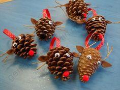 Pinecone reindeers for Christmas. Cool Reindeer Crafts for Christmas, http://hative.com/cool-reindeer-crafts-for-christmas/,