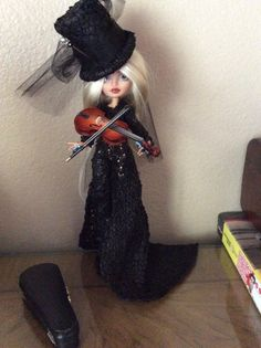 Mostro bambola/Ever After alta Repaint Maris di BeaNMeDolls