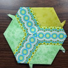 Hexagon quilting on Pinterest | Hexagon Quilt, Hexagons and ...