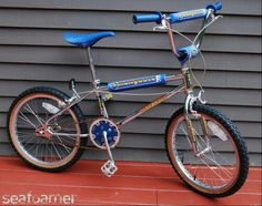 Mongoose bmx sooo close to the bike I had! Cool Bicycles, Cool Bikes, Vintage Bmx Bikes, Push Bikes, Bmx Freestyle, Kids Scooter, Bmx Bicycle, Oldschool, Windsurfing