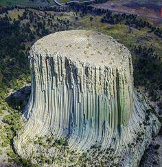 Science Discover Devil& Tower Wyoming - Ancient tree turned into rock. Beautiful World Beautiful Places Foto Nature Formations Rocheuses Giant Tree Natural Phenomena Jolie Photo Natural Wonders Amazing Nature Beautiful World, Beautiful Places, Foto Nature, Formations Rocheuses, Giant Tree, Ancient Mysteries, Jolie Photo, Natural Phenomena, Natural Wonders