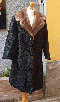 Guarda questo articolo nel mio negozio #Etsy #pelliccia #Ashtrakhan #swakara #karakul #agnellopersiano #vintage #pelz  https://www.etsy.com/it/listing/605065559/pelliccia-swakara-fur-coat-pelz-fourrure