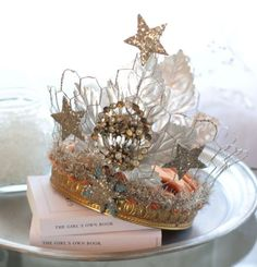 crown#diy decorating ideas #hand made #diy fashion| http://doityourselfcollections.blogspot.com