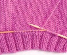 How to Knit Pockets – Craftfoxes The Effective Pictures We Offer You About crochet hat A quality picture can tell you many things. Knitting Help, Knitting Stitches, Knitting Needles, Knitting Patterns Free, Knit Patterns, Baby Knitting, Free Pattern, Tricot Simple, Knitting Projects
