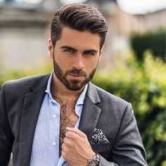 These are best of the best beard styles for men. for men 2019 Top 15 Types of Beard Styles You Must Try Cool Hairstyles For Men, Boy Hairstyles, Haircuts For Men, Classic Mens Hairstyles, Fringe Hairstyles, Short Haircuts, Beard Styles For Men, Hair And Beard Styles, Curly Hair Styles