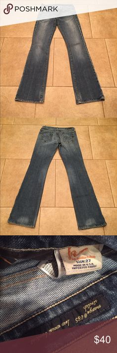 """Citizens of Humanity -- Low-waist Bootcut jeans 27"""" x 32"""" Citizens of Humanity -- Low-waist Bootcut jeans. Like new. One tiny blemish below right pocket (see pics). Citizens of Humanity Jeans Boot Cut"""