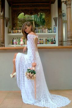 Model: Luisa Costa Bloom Photography: Maria Vidal (Esenzaibizaphoto) Make up: Bela Marin Dress: Raquel Espada  Lace wedding dress